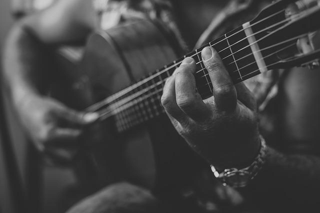 chitarra mano sinistra